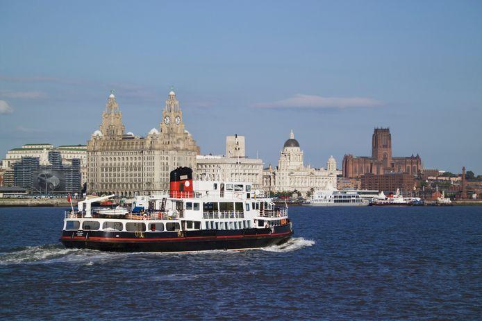 Arrivo del traghetto a Liverpool.