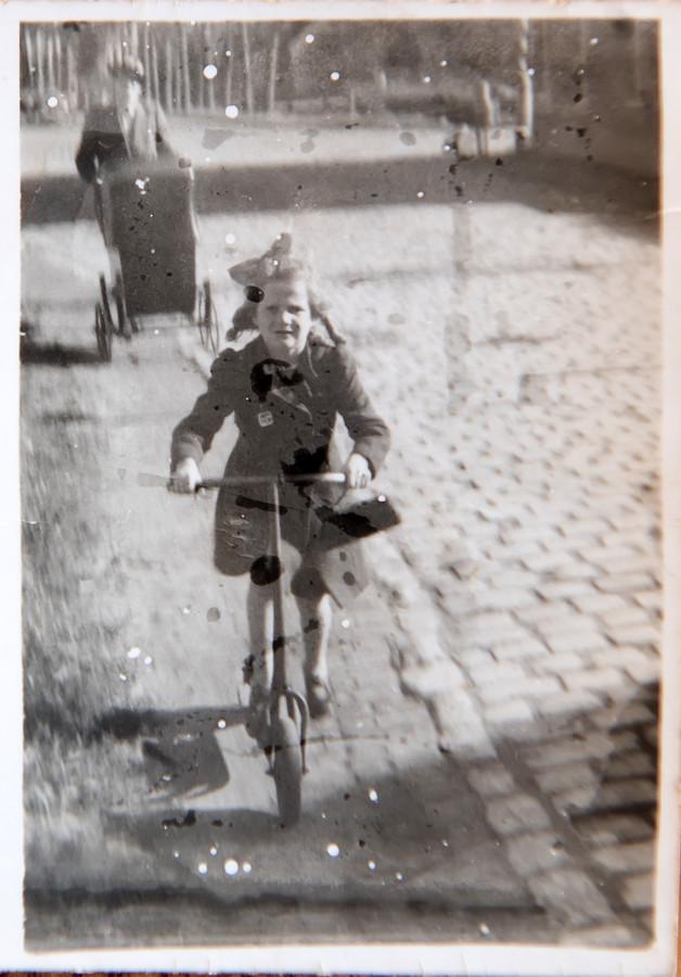 Zuster Gabriël als kind in 1942.