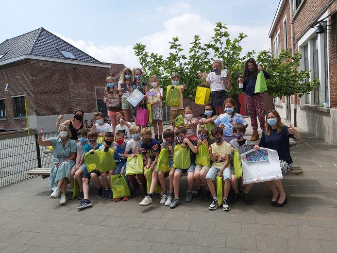 Voor Sint-Pieters-Leeuw maakte Marie Reichelt uit de Ave Maria Basisschool het winnende ontwerp.