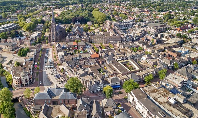 Overzichtsfoto van het centrum van Veghel. Daar gaat de komende jaren 10.000 vierkante meter winkeloppervlak verdwijnen.