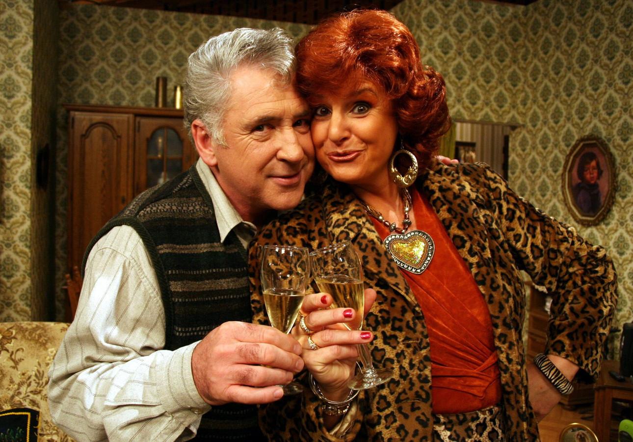 Xavier en Carmen, hét oerkoppel. Door het overlijden van Johny Voners kwamen er geen nieuwe afleveringen meer.