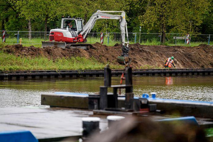 Vanwege werkzaamheden aan het Twentekanaal moeten vissers elders hun stekje zien te vinden.