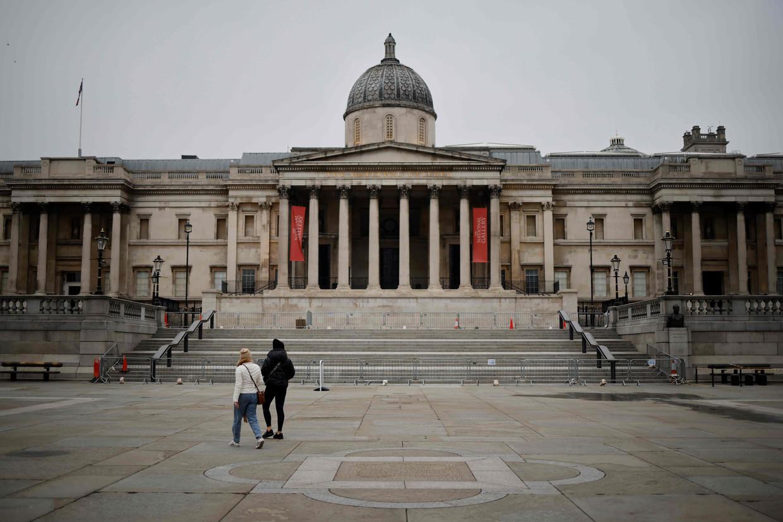 Trafalgar Square in Londen, waar het meestal heel druk is.  Beeld AFP