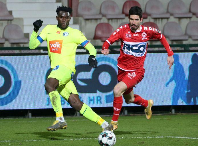 Jovan Stojanovic tijdens de laatste wedstrijd van vorig kalenderjaar tegen AA Gent. De Serviër moet het vooral hebben van invalbeurten.