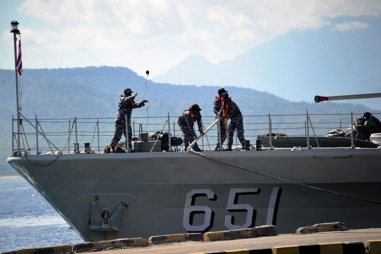 De Indonesische marine zoekt met man en macht naar de vermiste duikboot. Beeld AFP
