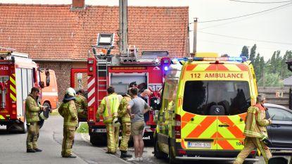 Man raakt ernstig verbrand aan arm bij blussen van brandje door asfalteringswerken