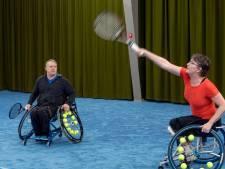 Gouden tips voor rolstoeltennis: sta niet stil en rij met veel vlees op de hoepel
