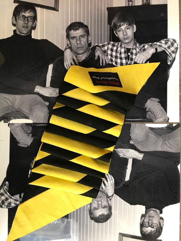 Scarf Imperial Yellow and Black (2021) van Teigetje & Woelrat. Beeld -