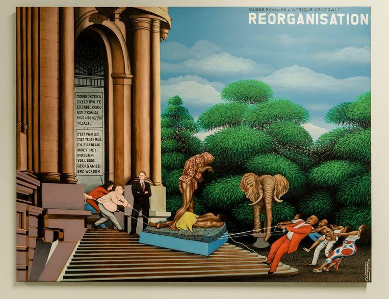 Het schilderij 'Reorganisation' van Chéri Samba toont aan hoe de Afrikaanse gemeenschap met succes controversiële stukken de kelder in trok. Beeld Eric de Mildt