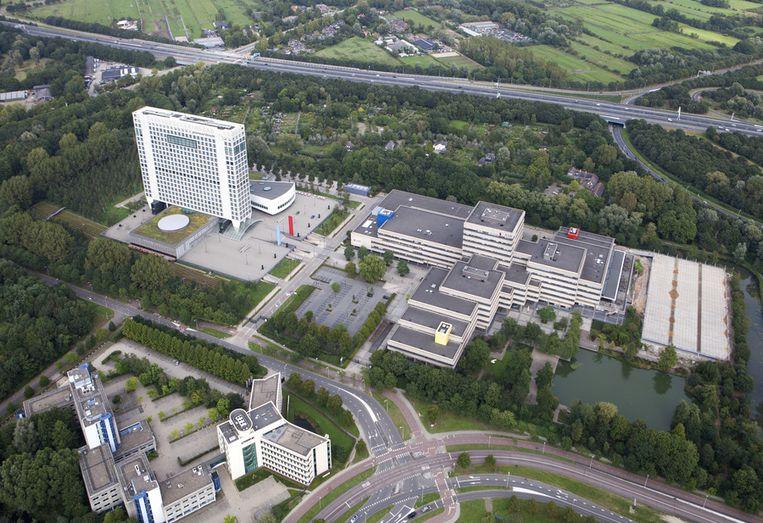 Het provinciehuis van Utrecht (links) op een luchtfoto. Beeld ANP