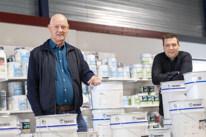 Vader Wim Zandvoort en zoon Bart werken dagelijks hard aan het uitbouwen van hun bedrijf Zandvoort Verf- en Spuitapparatuur in Rijssen. Deze zomer openen ze een tweede vestiging in Enschede.