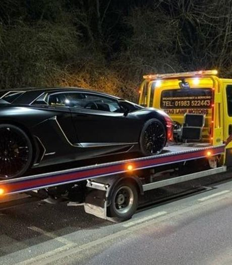 Eigenaar peperdure Lamborghini vergeet cruciaal detail: auto weggesleept