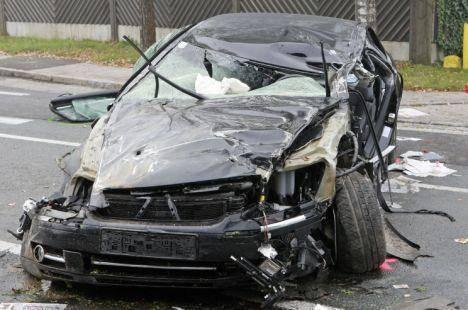 Na een ruzie met Petzner verongelukte de dronken Haider die veel te snel reed.