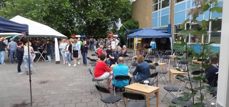 Gezellige sfeer op druk bezochte reünie van De Ganzenhof in Giessen
