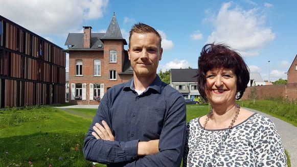 Kristof Van Echelpoel van ingenieursbureau Vestad en burgemeester Marleen Peeters.