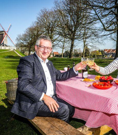 Brugge heeft een 'picknickplan' voor de paasvakantie: 325 banken op 62 plaatsen moeten mensen uit hun kot lokken