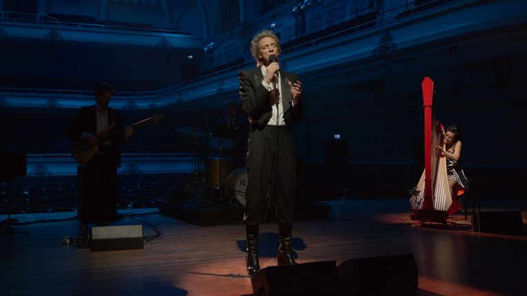 Sven Ratzke in Songs in a Cabaret Beeld