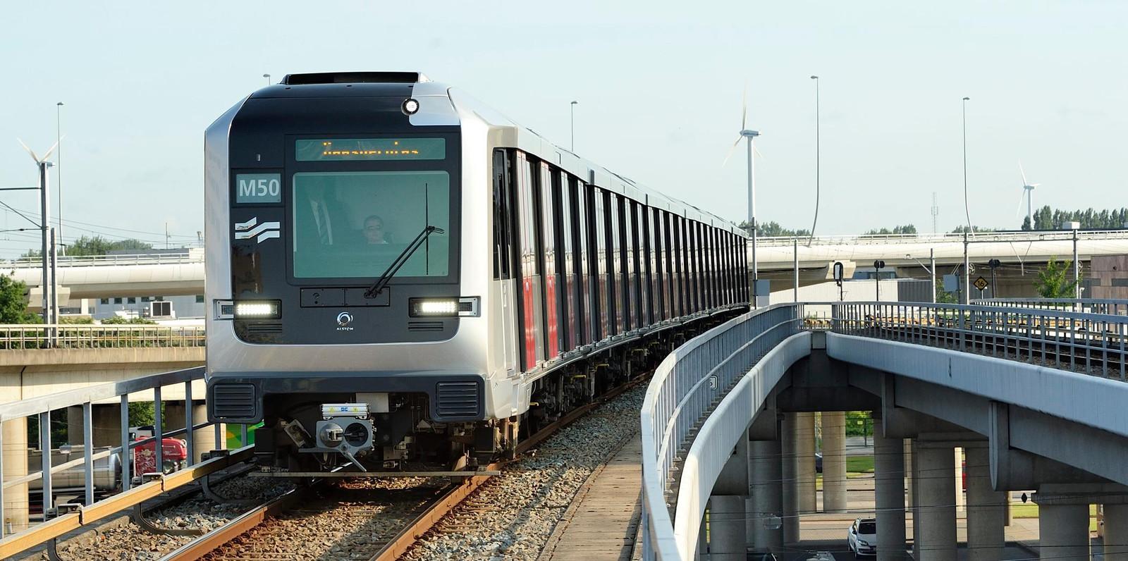 De bedreiging vond plaats in metrolijn 50 in de buurt van Sloterdijk.