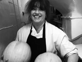 """""""Je bent walgelijk"""": chef krijgt bakken kritiek nadat ze groep vegans vlees geeft"""