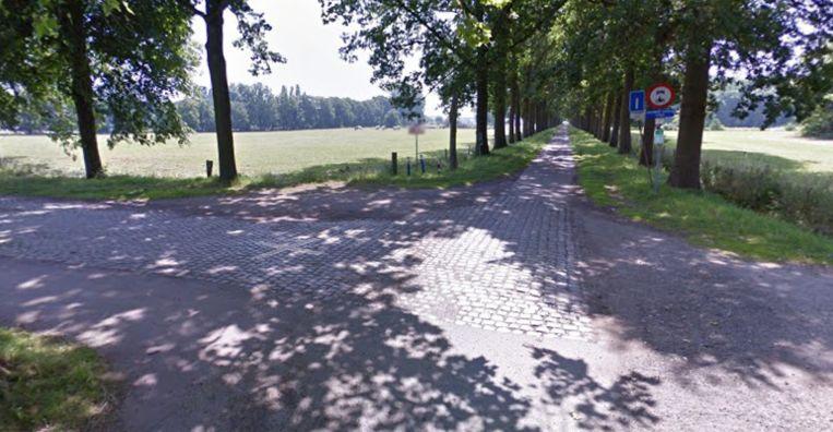 Aan de Klaverbladdreef en het kruispunt met deMoerelei in Wilrijk zijn deze week wegwerkzaamheden begonnen.