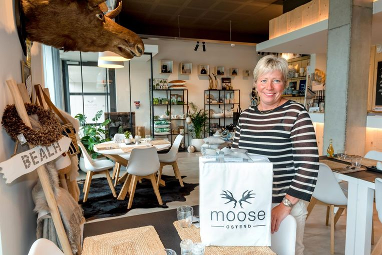Zaakvoerster Saskia Defever van de take away 'Moose'.