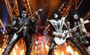 Samen met haar vader heeft Robbin een concert van de fameuze rockband Kiss meegemaakt.