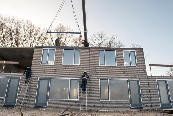 Prefab woningen van Slokker in aanbouw in Ermelo, vorig jaar.