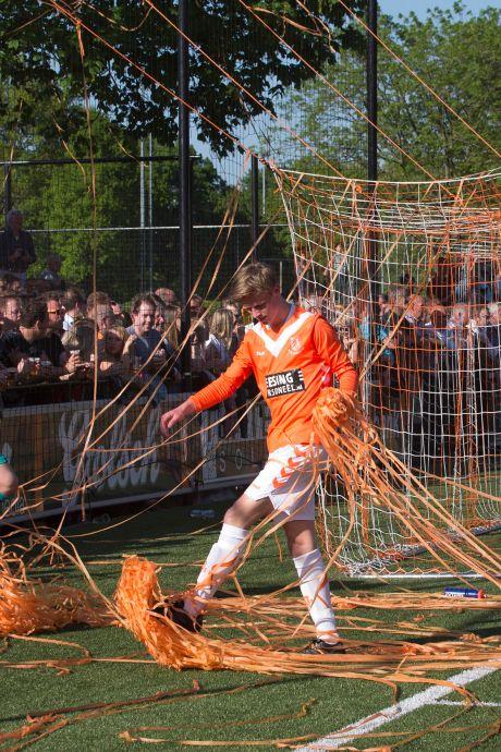 Achterhoekse voetbalclubs rechten rug in crisis en zijn blij met hondstrouwe leden en sponsors