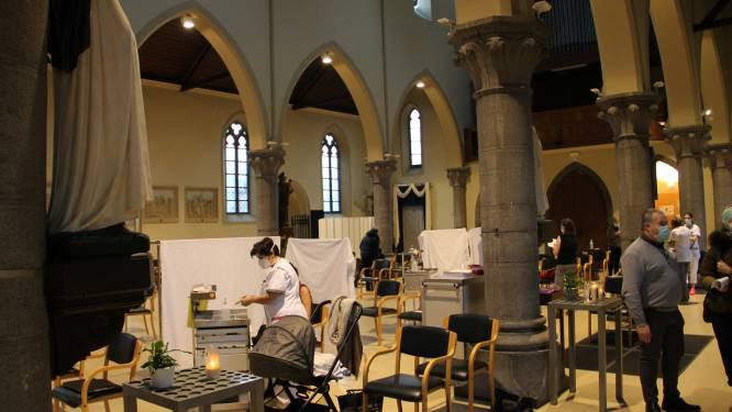 Werknemers Sint-Jozefskliniek krijgen eerste coronaprik