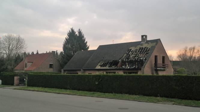 Mensensmokkelaars opereren vanuit afgebrande villa in woonwijk