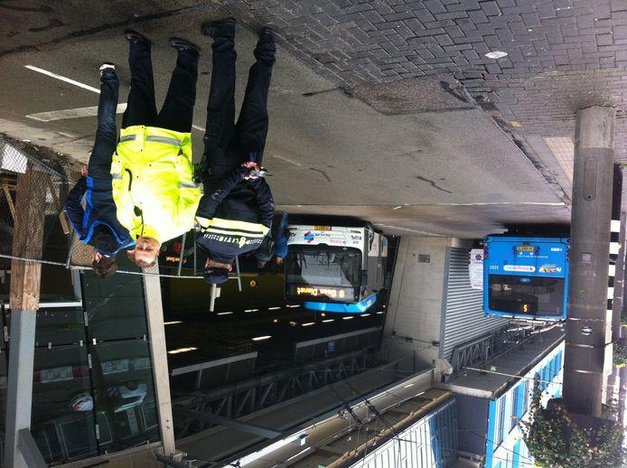 De bussen staan nog stil vanwege een staking van chauffeurs in Arnhem.