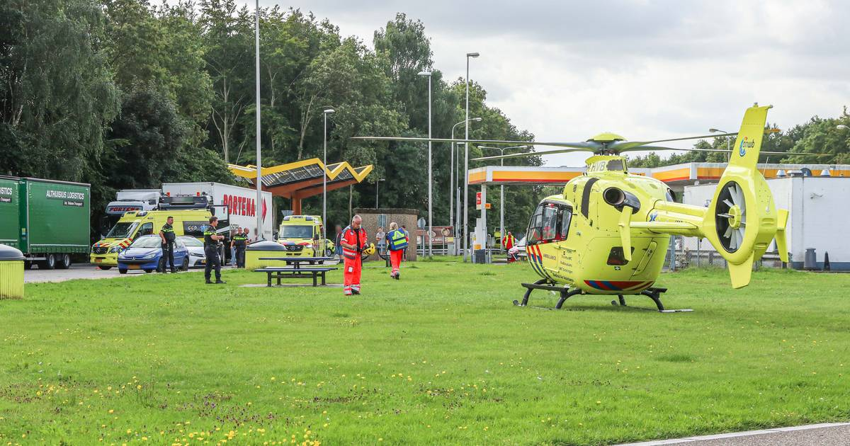 Jongetje gewond bij aanrijding met vrachtwagen op parkeerplaats langs A6 bij Bant.