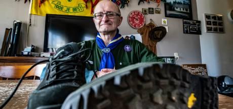 Wandelaar Wilfried halverwege monstertocht van 1000 kilometer in maand tijd: 'Mijn fijne tentje was lek'