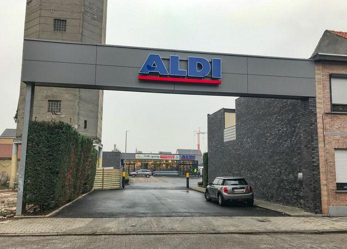 De Aldi-supermarkt aan de Pastoor De Meerleerstraat opent woensdag opnieuw de deuren. De winkel is aanzienlijk uitgebreid, van 800 naar 1.200 m².