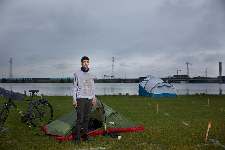 Stefan op Camping Zeeburg. Beeld Chris en Marjan