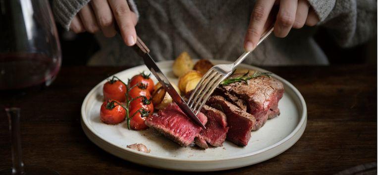 """Sylvia Witteman: """"Er komt een tijd dat we geen vlees meer eten"""""""