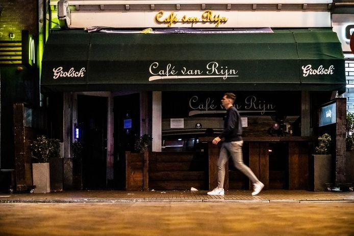Café Van Rijn, een van de drie kroegen in Nijmegen die binnen één week dicht moesten.