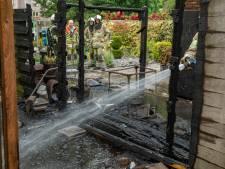 Schutting in brand in Odijk