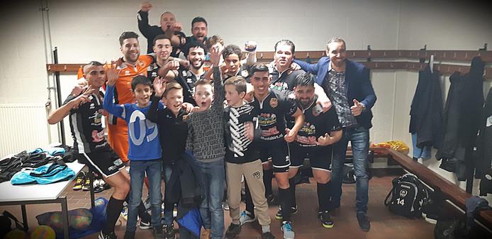 De sfeer zit er goed in bij Futsal Apeldoorn.