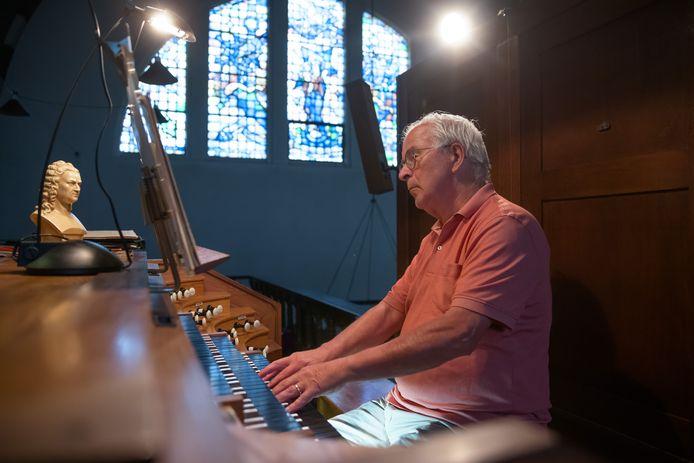 Lambert van Eekelen geeft zaterdag 23 oktober een concert in de Bartholomeuskerk in Zevenbergen om zijn 60-jarig jubileum als organist te vieren.