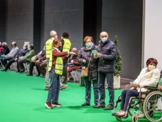 """Kortrijk, Harelbeke en Kuurne ronden samen kaap van 30.000 prikjes: """"We verhogen tempo, callcenter krijgt extra personeel voor vele vragen rond AstraZeneca"""""""