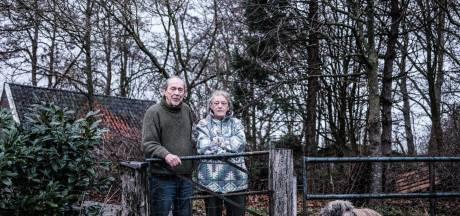 Rianne en André zijn al hun spaargeld kwijt aan malafide dakdekkers: 'We zijn er vol ingestonken'
