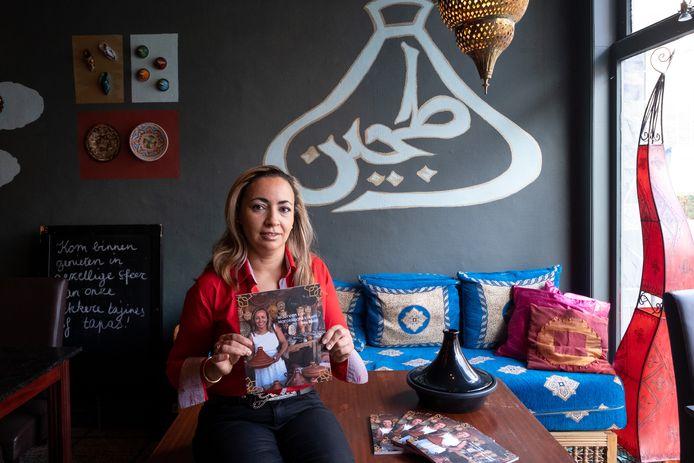 """Zahia Belkhiri uit Mechelen schreef het kookboek """"Iedereen kan Marrokaans koken""""."""