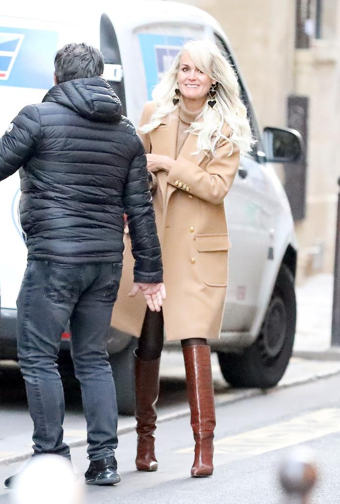 """Laeticia Hallyday était à Paris, le 20 novembre pour travailler sur l' hommage """"Johnny Hallyday, un soir a l'Olympia""""."""