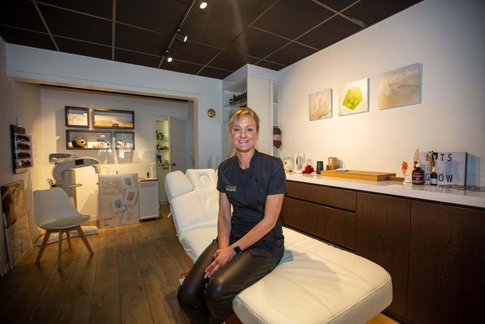 Marie-Claire Verdon (45) van Zense Beauty Lounge mag zich een jaar lang schoonheidsspecialiste van het jaar noemen.