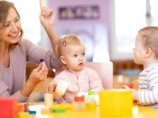 Personeelstekort zorgt voor sluiting groepen in kinderopvang; ouders moeten zelf oplossing zoeken