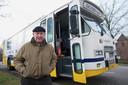 Frans Swartjes was chauffeur van de bus van de stichting Dalfsen Helpt Oost-Europa, waarin ook zijn vrouw Sientje jarenlang actief was. Deze foto is in 2011 gemaakt.