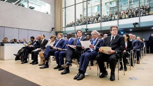 Koning Willem-Alexander opende dinsdagmiddag het nieuwe gebouw van het Internationale Strafhof
