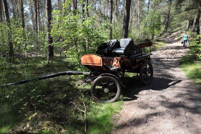 Bij een ongeval met een menwagen in Ommen raakten drie mensen gewond.