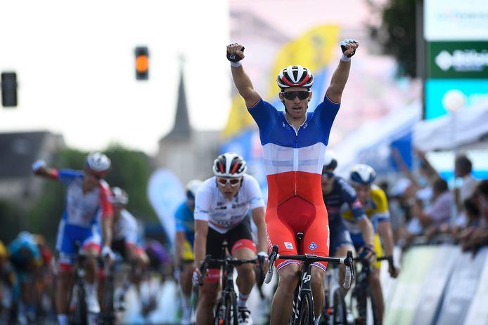 De Fransman Arnaud Démare kwam als eerste over de finish in de tweede etappe van de Ronde van Luxemburg.